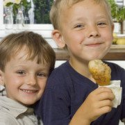 children eating chicken food safety